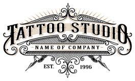 Estudio emblem_2 del tatuaje del vintage para el fondo blanco Imagenes de archivo