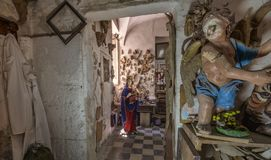 Estudio, esculturas y estatuas del artista fotos de archivo libres de regalías