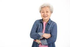 Estudio tirado de mujer mayor china Imagen de archivo