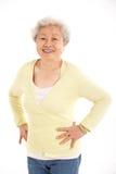 Estudio tirado de mujer mayor china Fotografía de archivo