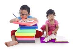 Estudo asiático dos miúdos Fotografia de Stock