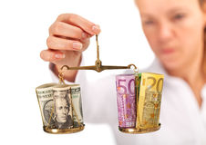 Estudos de mercado - balanço do dinheiro analisado imagens de stock