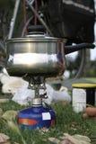 Estufa de gas que acampa Imágenes de archivo libres de regalías