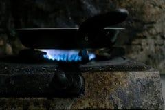 Estufa de gas sucia imagen de archivo libre de regalías