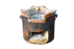 Estufa del carbón de leña del estilo tailandés aislada en el fondo blanco Foto de archivo