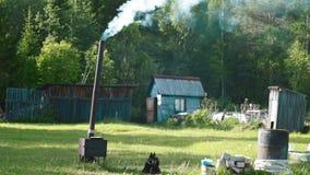 Estufas ardientes de un combustible horno-sólido metrajes