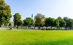 ESTUGARDA, ALEMANHA - 15 de setembro de 2016: Schlossplatz é o lar Foto de Stock Royalty Free