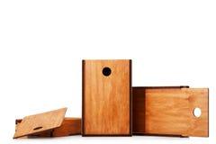 Esvazie caixas de madeira retros ou caixas para os brinquedos isolados em um fundo branco Entrega e conceito da expedição Copie o Imagem de Stock Royalty Free