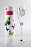 Esvazie o vinho de vidro com embalagem Fotos de Stock