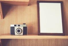 Esvazie restos do quadro de madeira na parede da parede teste padrão natural para papéis de parede bonitos Apropriado para o uso  Fotos de Stock Royalty Free