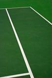 Esverdeie a corte de tênis Imagem de Stock