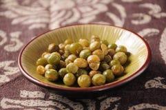 Esverdeie grãos de soja Fotografia de Stock Royalty Free