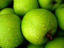 Esverdeie maçãs Fotografia de Stock Royalty Free