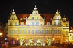 Esverdeie a porta em gdansk Fotografia de Stock