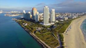 Esvoaçante aéreo de Timelapse de Miami Beach