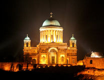Esztergom Basilika nachts Lizenzfreie Stockfotos