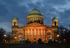 Esztergom, Basilika, Ungarn im Flutlicht Stockbild