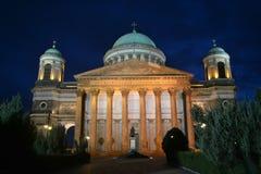 Esztergom, Ungarn-Basilika im Flutlicht Stockfotos