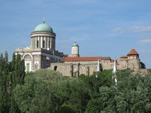 Esztergom Ungern - basilika Arkivfoton