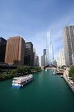ο ποταμός του Σικάγου δ&et Στοκ φωτογραφία με δικαίωμα ελεύθερης χρήσης