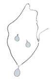 Or et colliers de diamants d'isolement sur le fond blanc Photos libres de droits