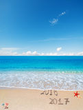 2016 et 2017 dans le sable Image stock