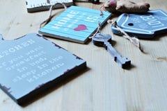 et x22 ; Maison douce à la maison et x22 ; plats de signe Image stock
