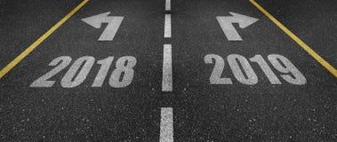 2018 et 2019 marquage routier Photos libres de droits