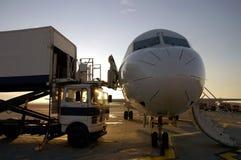 et samolot na lotnisko Fotografia Stock