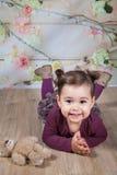 1 et un demi bébé an d'intérieur Photo stock