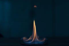 Etanolu ogień w szklanym lab talerzu Zdjęcia Royalty Free