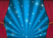 Etapa agradable con las cortinas rojas Imágenes de archivo libres de regalías