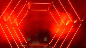 Etapa con las luces del humo y del punto Concepto de la presentación Podio moderno o una etapa con las luces y el humo metrajes
