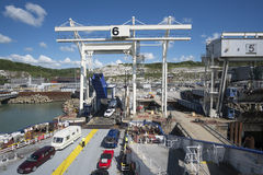 Etapa de cargamento de Dover Harbour Fotos de archivo libres de regalías