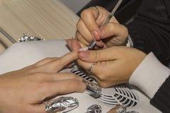 Etapa do processo do tratamento de mãos Fotografia de Stock Royalty Free