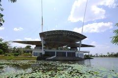 Etapa pública en el lago Cyberjaya Imagenes de archivo