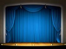 Etapa vacía con la cortina azul Imagen de archivo