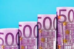 Etapas de aumentação feitas de 500 euro- cédulas Foto de Stock