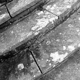 Etapas de pedra fora de uma igreja Imagens de Stock