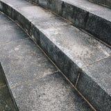 Etapas de pedra perto de um canal Fotos de Stock Royalty Free