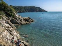 Etapas - para baixo à praia do castelo de Dartmouth Fotografia de Stock Royalty Free