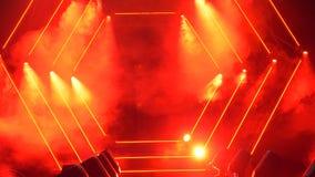 Etapp med rök- och fläckljus presentationen för begreppet för bakgrund 3d isolerade framförde illustrationen white Modernt podium Royaltyfri Foto