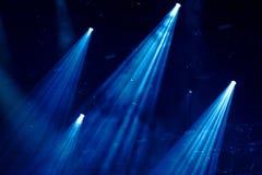 Etappljus på en konsert royaltyfria bilder
