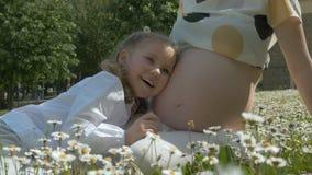 Eterocromia e gravidanza stock footage