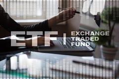 ETF Uitwisseling Verhandeld Fonds Zaken, intenet en technologieconcept stock afbeeldingen