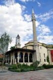 Ethem bejmoské och klockatorn i Tirana albacoren arkivfoton