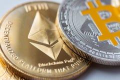 Ethereum золотых монеток, тайнопись стоковое изображение