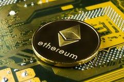 Ethereum is een moderne manier van uitwisseling en deze crypto munt stock foto