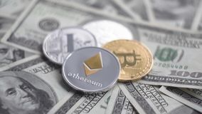 Ethereum golder和银bitcoin Litecoin在转动美元 换隐藏货币的概念 财务 影视素材