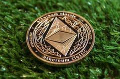 Ethereum klasyk jest nowożytnym sposobem wymiana i ten crypto waluta jest dogodni sposoby zapłata w pieniężnym ma sieci i obraz stock